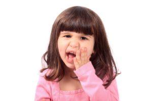 ADVICE ON HOW TO HANDLE A KID'S DENTAL EMERGENCY