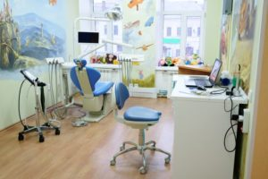children's dentist treatment room